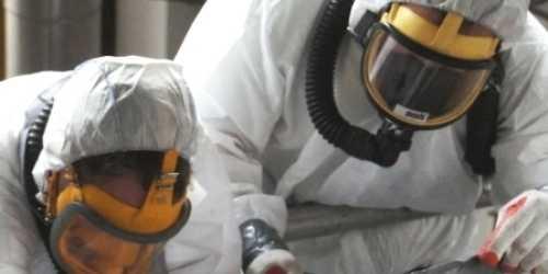 Asbestbranche en nieuwe saneringstechniek gehekeld in Trouw